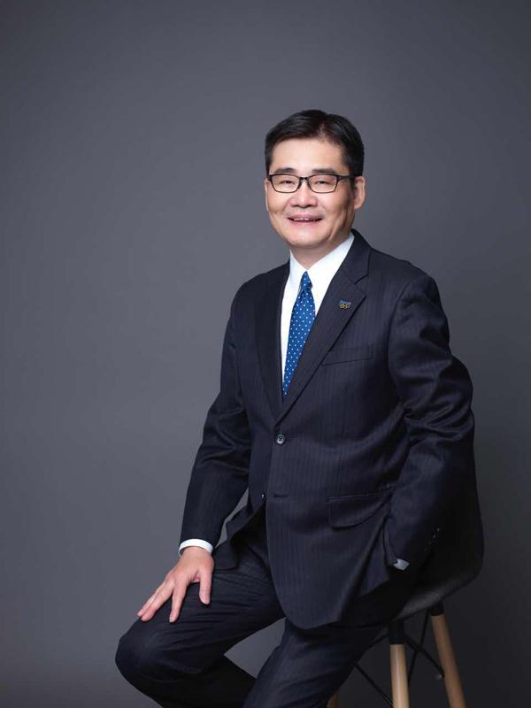 【中外企业家热赞两会】松下电器中国东北亚公司总裁CEO本间哲朗:中国让世界看到了一个大国的责任与担当