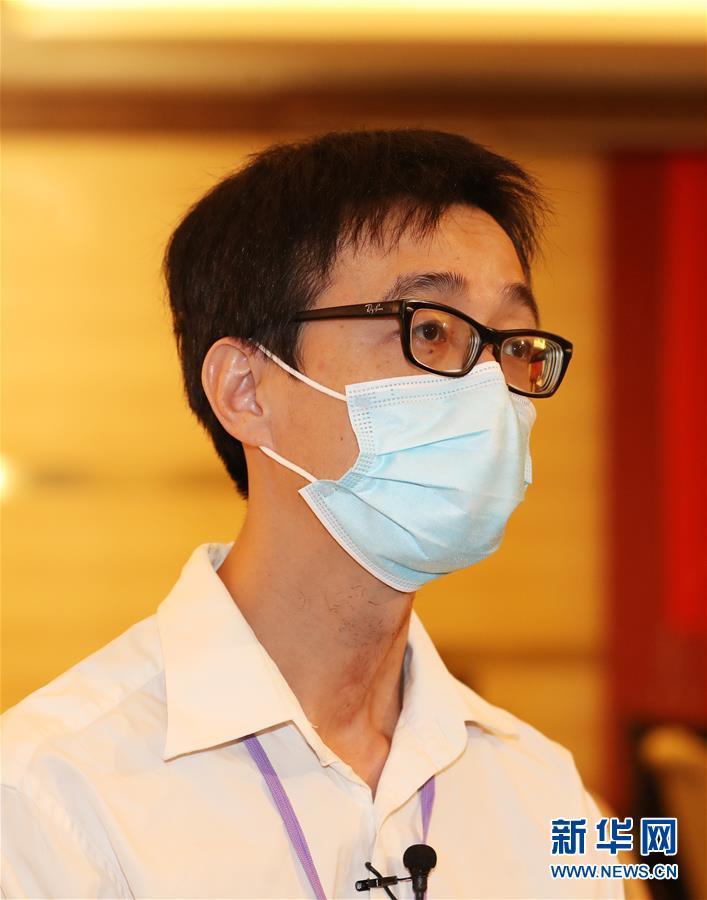 """(港澳台·图文互动)(4)""""为了香港同胞能早日摘下口罩自由呼吸""""——内地核酸检测支援队员工作素描"""